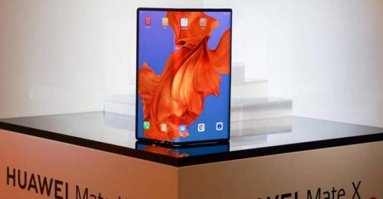 هاتف Huawei Mate X يقدم تجارب استخدام فعالة