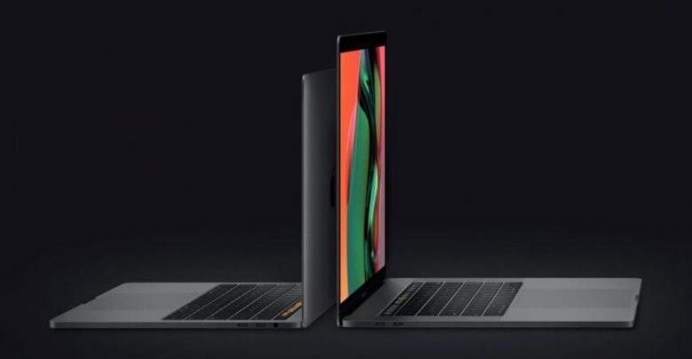 """"""" آبل"""" تطلق إصدارًا محدثًا من MacBook Pro وتحل مشكلة لوحة…"""