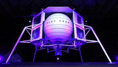 المليارديرجيف بيزوس يكشف عن مركبة الهبوط على القمر