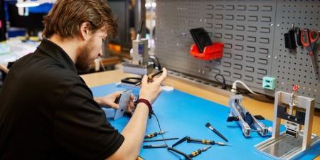 آبل تعلن للمرة الأولى بيع قطع غيار آيفون إلى محلات الصيانة غير الرسمية