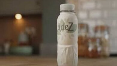 Photo of كوكا كولا تبيع المشروبات في زجاجات ورقية