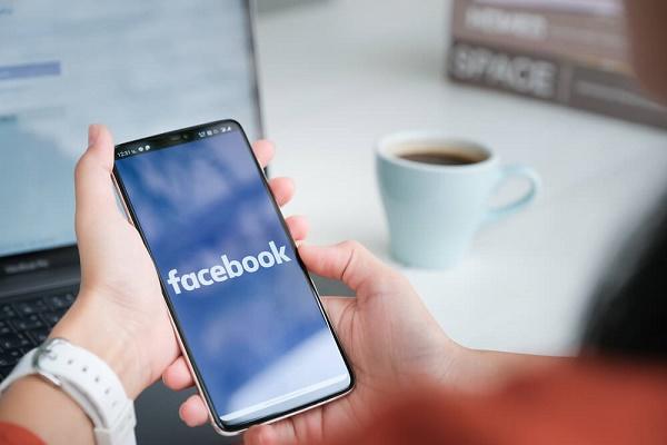 لجنة تكافؤ فرص العمل الأميركية تحقق مع فيسبوك بسبب التحيز العنصري