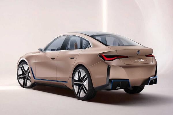 BMW تكشف النقاب عن سيارة i4 الكهربائية
