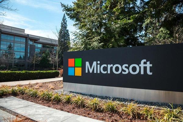 """مايكروسوفت الأقرب للفوز بصفقة """"المنصة السحابية"""" في أميركا بقيمة 150 مليون دولار"""