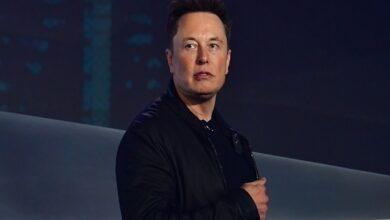 Photo of إيلون ماسك: يمكن الآن شراء سيارات تيسلا باستخدام بيتكوين