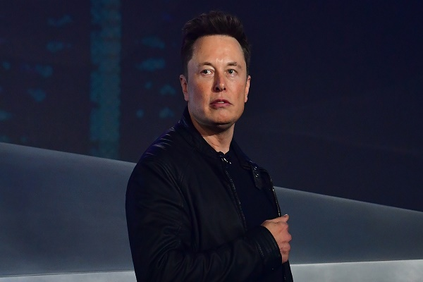 إيلون ماسك: يمكن الآن شراء سيارات تيسلا باستخدام بيتكوين