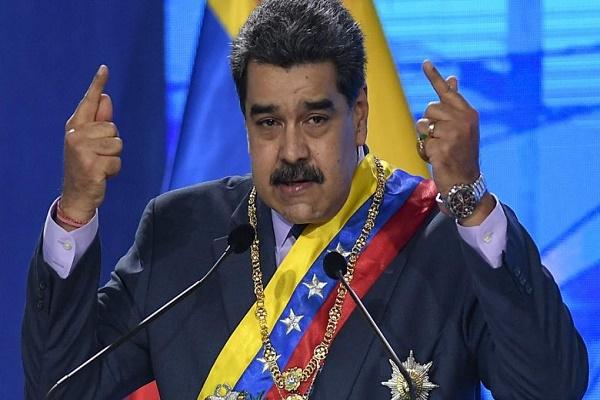فيسبوك تجمد صفحة الرئيس الفنزويلي مادورو