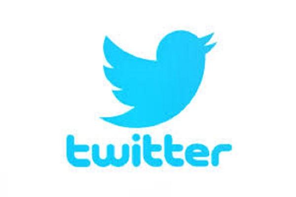 موسكو تبطئ خدمة تويتر وتهدد بحظر المنصة تمامًا إثر انتهاكها القانون