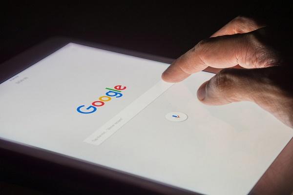 غوغل تخصص 25 مليون دولار لمكافحة المعلومات المضللة