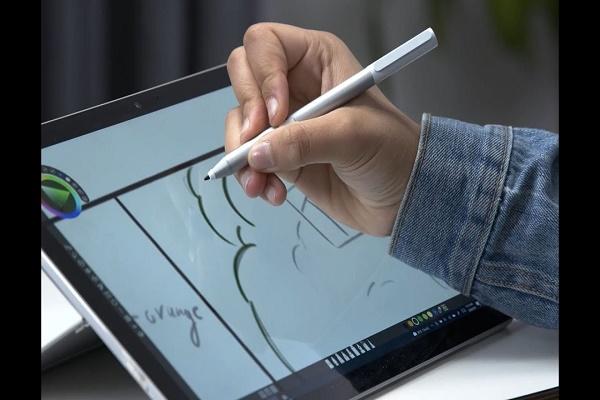 مايكروسوفت تكشف عن Classroom Pen 2 للطلاب