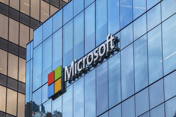 أرباح مايكروسوفت ترتفع 43% خلال الربع الثالث من العام وتسجل 15.45 مليار دولار