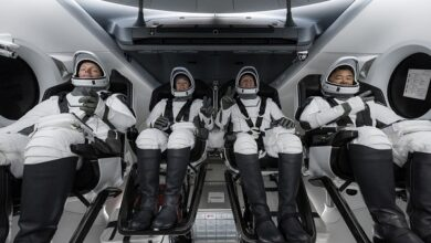 Photo of الكبسولة إنديفور تصل إلى المحطة الدولية وعلى متنها أربعة رواد فضاء