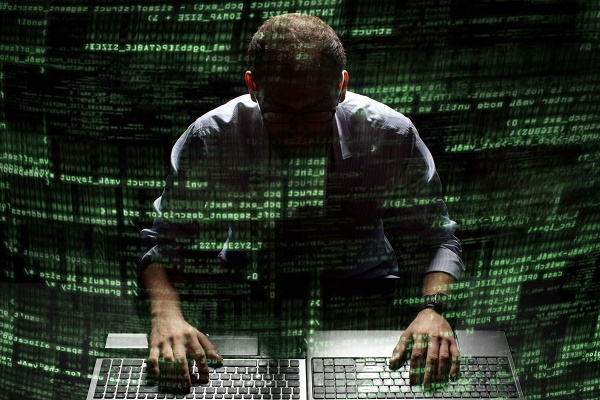الولايات المتحدة تحكم بالسجن 10 سنوات على قرصان إلكتروني بارز