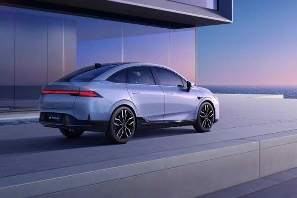 Xpeng Motors تكشف عن سيارة P5 بميزات قيادة ذاتية