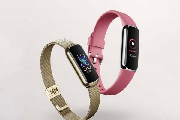 فيتبيت تكشف عن Fitbit Luxe جهاز اللياقة الجديد