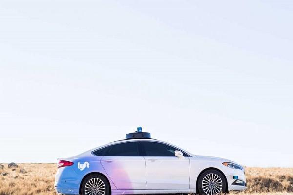 تويوتا تشتري قسم السيارات المستقلة في Lyft