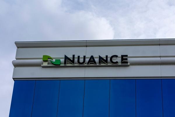 """مايكروسوفت تشتري """"Nuance"""" للذكاء الصناعي مقابل 16 مليار دولار"""
