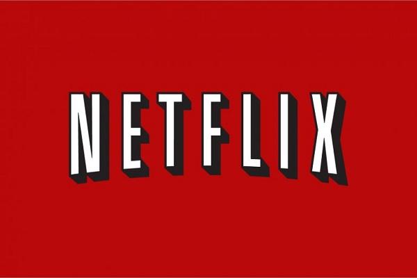 تطبيق Netflix وكيفية تعطيل التحميلات الذكية حتى لا تأكل باقتك الشهرية سريعاً!