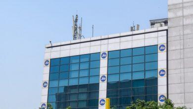 """Photo of """"غوغل"""" و""""جيو"""" يكشفان النقاب عن هاتف ذكي منخفض التكلفة للمستهلكين في الهند"""