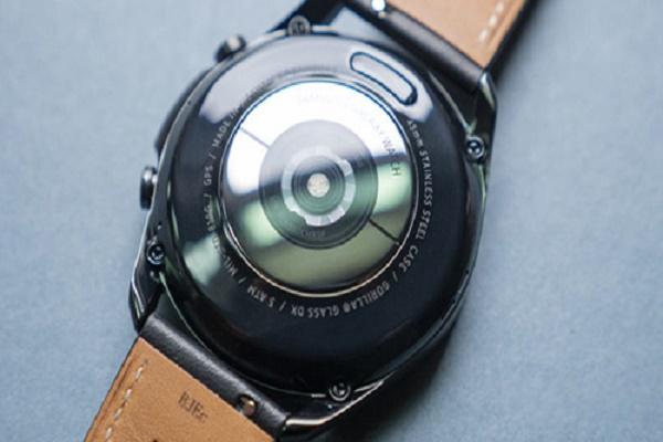 سامسونج تعلن عن سوار Galaxy Watch 4 بمزاياه المتطورة